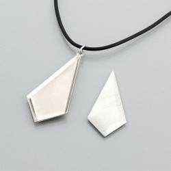Pendant with angular edge